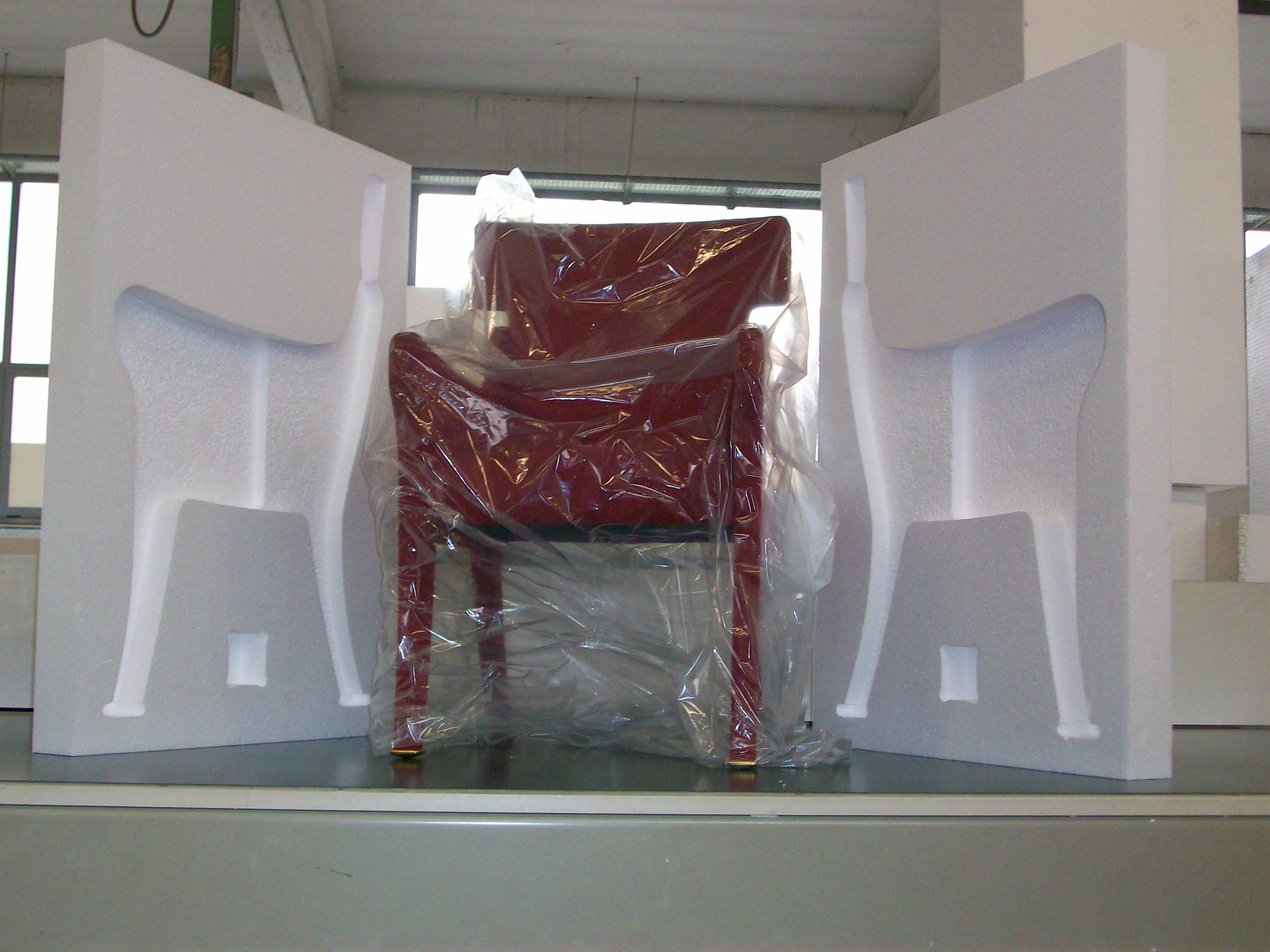 Imballaggi in polistirolo realizzati per proteggere una for Poltrona polistirolo